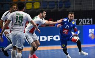 Mickaël Guigou et ses coéquipiers affrontent les Algériens pour le premier match du tour principal, le 20 janvier 2021.