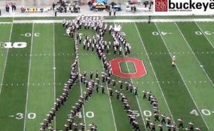 Capture d'écran d'une vidéo de la parade de l'université de l'Ohio, le 21 octobre 2013.