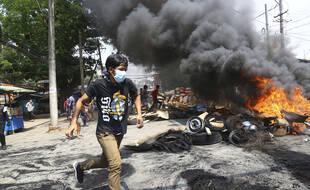 La Birmanie s'enfonce dans la répression