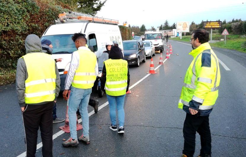 Nantes: Les « gilets jaunes » à l'action près de l'aéroport ce lundi matin