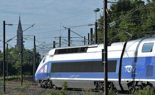 Un train TGV arrivant à Strasbourg en juillet 2016.