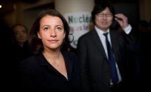 """Cécile Duflot, secrétaire nationale d'EELV, a défendu samedi devant les représentants du mouvement le projet du parti pour 2012, qui propose des """"solutions globales écologistes"""" face à la """"crise d'un système et d'un modèle de développement""""."""
