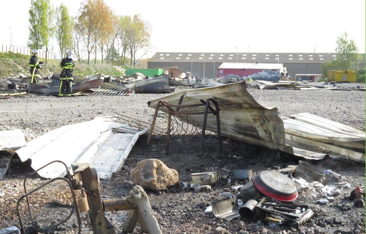 Plus des trois quarts des cabanons en bois ont été détruits par l'incendie du camp de Grande-Synthe (Nord) – O. Aballain / 20 Minutes
