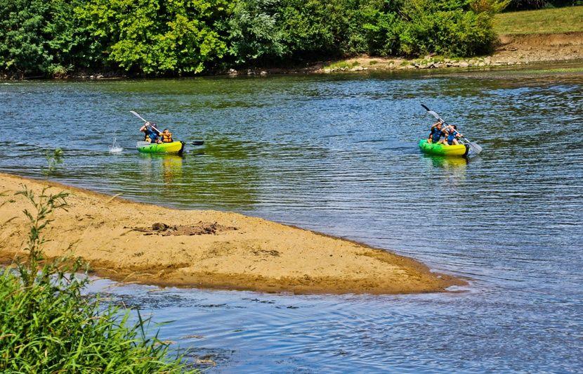 Lot: Son canoë chavire lors d'une sortie sur la Dordogne, un homme meurt