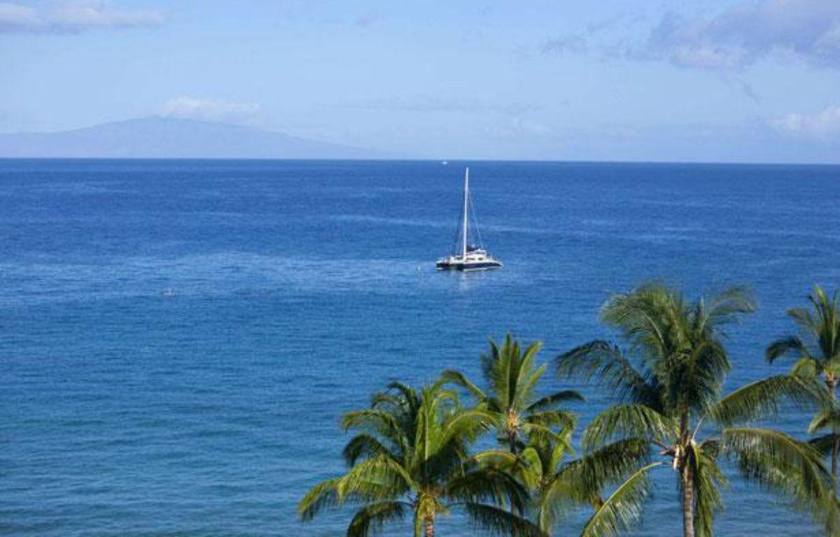 Un bateau près des côtes de l'île de Lanai, à Hawaii. – SUPERSTOCK/SUPERSTOCK/SIPA