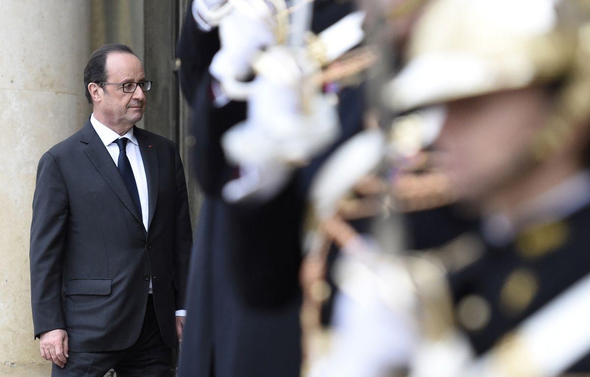 François Hollande à l'Elysée le 22 novembre 2016. – STEPHANE DE SAKUTIN / AFP