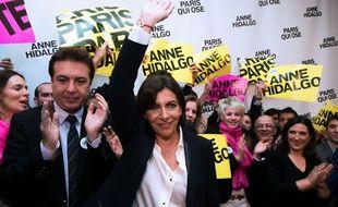 La candidate socialiste Anne Hidalgo à son QG de campagne à Paris le 23 mars 2014.