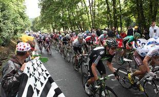 Illustration d'une étape du Tour de France passant en Bretagne. Ici en 2011 entre Lorient et Mûr-de-Bretagne.