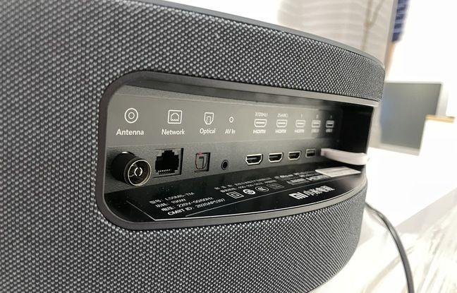 Sul retro del televisore, una connessione abbastanza completa, ma nessun jack HDMI 2.1.