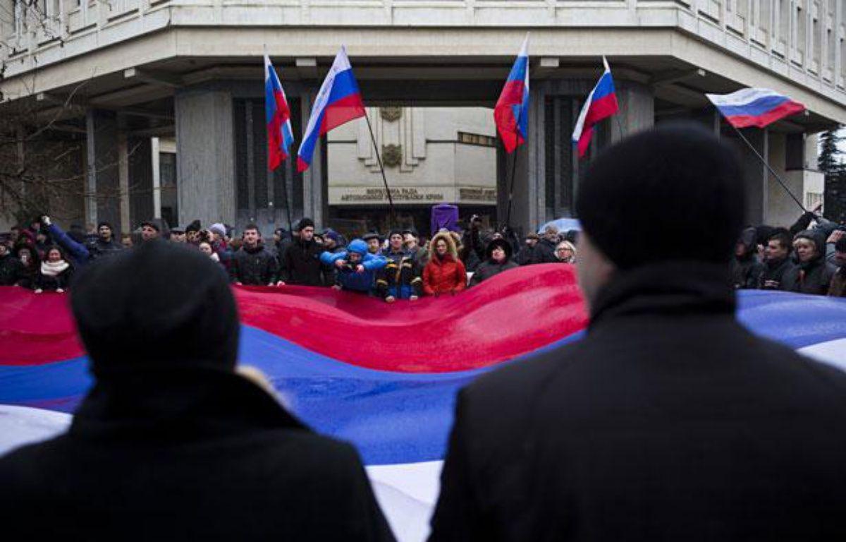 Manifestation pro-russe devant le Parlement de Crimée, le 27 février 2014. – Pierre Crom / LEJOURNAL/SIPA