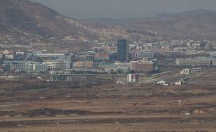 Le complexe industriel intercoréen de Kaesong, vu depuis la frontière sud.