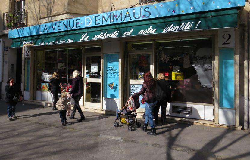 Marseille : Emmaüs écope d'une amende de 4285 euros pour « affichage incivique et irrégulier »