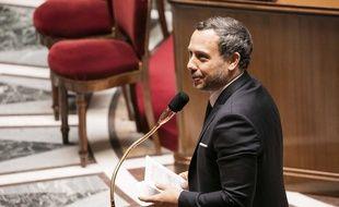 Adrien Taquet, secrétaire d'Etat à  la protection de l'enfance le 5 mai 2020 à l'Assemblée nationale
