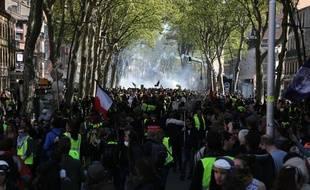 La manifestation des «gilets jaunes» à Toulouse lors de l'acte 22, le 13 avril 2019.