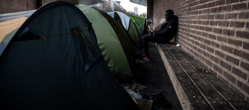 Des tentes abritant des migrants installées en Seine-Saint-Denis.