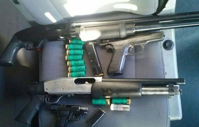 Des armes retrouvées dans la voiture d'un homme à la frontière franco-espagnole.
