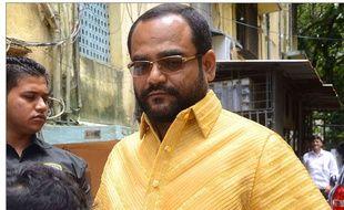 Pankaj Parakh s'est offert une chemise faite d'or pesant 4 kilos.