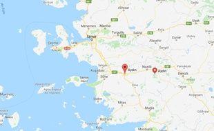 Quinze personnes ont été tuées dimanche en Turquie lorsqu'un véhicule transportant des migrants a quitté la route