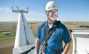 L'énergie éolienne, dite énergie bleue, est un secteur en forte demande de techniciens et d'ingénieurs.