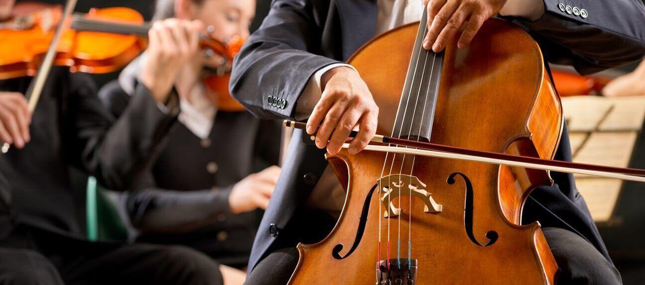 Des événements précis ou des comportements nouvellement adoptés au temps des grandes épidémies sont à l'origine d'œuvres musicales