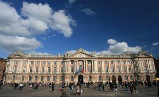 Le Capitole, l'Hôtel de ville de Toulouse (illustration).