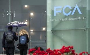 L'entrée de l'usine Fiat Chrysler à Turin, en Italie.