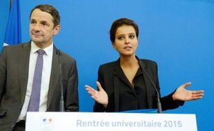 La ministre de l'Education Najat Vallaud-Belkacem (d) et son secrétaire d'Etat Thierry Mandon, le 16 septembre 2015 à Paris