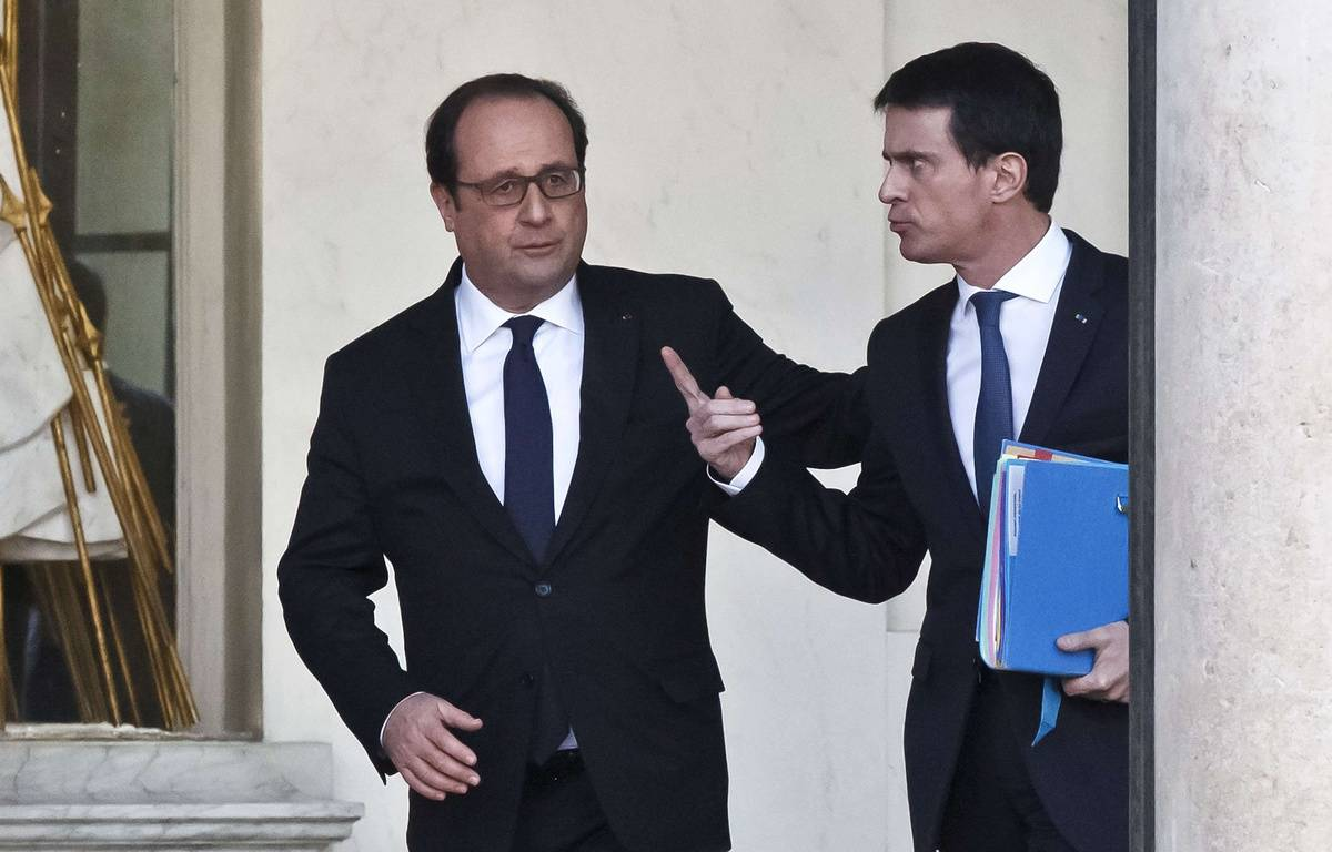 French President Francois Hollande, left, and French Prime Minister Manuel Valls talk to each other after the weekly cabinet meeting at the Elysee Palace in Paris, Wednesday, Feb. 10, 2016. French foreign minister Laurent Fabius says he is to leave the government to be named at the head of the Constitutional Council, France's top court making sure bills are compliant with the Constitution. (AP Photo/Michel Euler)/MEU104/278849287779/1602101216 – Michel Euler/AP/SIPA