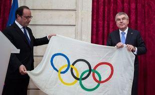 François Hollande et le président du CIO Thomas Bach le 2 octobre 2016.