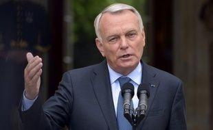 Près de deux Français sur trois (62%) ont une mauvaise opinion de Jean-Marc Ayrault, un des Premiers ministres les plus impopulaires de ces dernières décennies, mais aucune majorité ne se dégage pour soutenir une éventuelle alternative à Matignon, selon un sondage BVA pour Le Parisien dimanche.