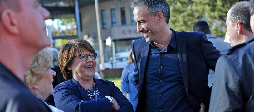 Raphaël Glucksmann avec Martine Aubry, au meeting de Place publique, à Lomme, dans le Nord.