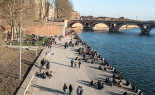 Les berges de la Garonne à Toulouse, le 27 février 2021.