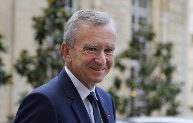 """Bernard Arnault, le patron de l'empire du luxe LVMH, a démenti samedi vouloir s'exiler fiscalement en Belgique, tout en confirmant dans un communiqué avoir """"sollicité la double nationalité franco-belge"""" pour développer ses investissements dans le pays."""