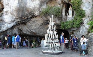 Les sanctuaires de Lourdes. Illustration.
