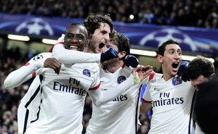 Les joueurs du PSG célèbrent leur qualification en quart de finale de la Ligue des champions face à Chelsea, le 9 mars 2016.