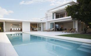 Seules les piscines conçues en béton peuvent être agrandies. Dans le cas des coques, il faut changer l'installation.