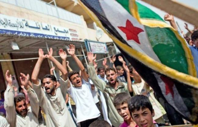 brand new 73e8f 685dd 648x415 syriens-manifestent-ville-marea-nord -reclamer-depart-bachar-al-assad-31-aout-2012.jpg