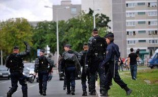 Cent policiers ont été envoyés mardi soir en renfort à Amiens, 24 heures après de violents affrontements entre jeunes et forces de l'ordre jugés inacceptables par l'Exécutif, qui ont fait 16 blessés parmi les policiers et plusieurs millions d'euros de dégâts au nord de la ville.