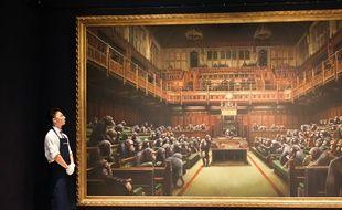 « Parlement dévolu » de Banksy a été dévoilée vendredi chez Sotheby's à Londres.