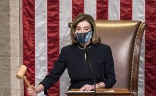 La présidente démocrate de la Chambre des représentants, Nancy Pelosi, lors du vote sur la procédure d'impeachment.