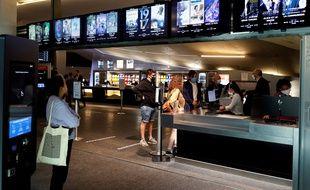 Le 21 juin 2020, au guichet de l'UGC des Halles, à Paris, lors de la réouverture des salles de cinéma.