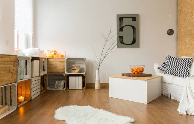Second-hand furniture will be the charming and ecological asset of your decoration.