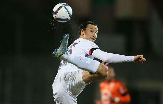 Zlatan Ibrahimovic lors du match entre Lorient et le PSG le 21 novembre 2015.