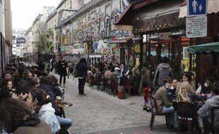 Des terrasses à Paris le 19 mai 2021.