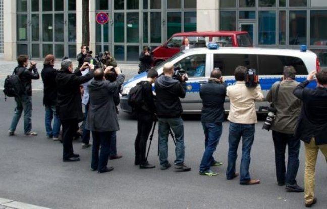 Luka Rocco Magnotta, le Canadien soupçonné d'avoir tué et dépecé un étudiant chinois à Montréal, ne s'opposera pas à son extradition vers le Canada, a indiqué mardi le parquet de Berlin , au lendemain de son arrestation dans la capitale allemande.