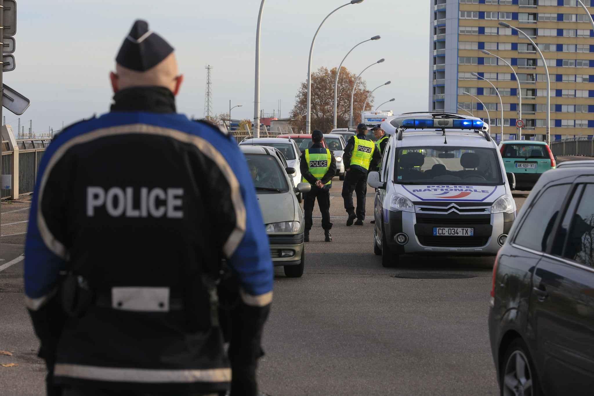 attentats paris attention aux restrictions de circulation sur le pont de l 39 europe strasbourg. Black Bedroom Furniture Sets. Home Design Ideas