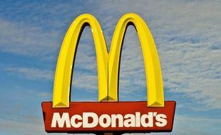 Une enseigne McDonald's en France.