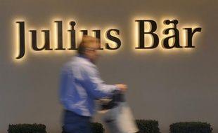 La presse allemande se faisait à nouveau l'écho samedi de soupçons envers des banques suisses sur des aides à la fraude fiscale, tandis que la présidente de la Confédération helvétique prenait leur défense.