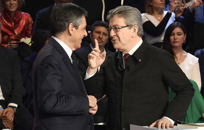 François Fillon et Jean-Luc Mélenchon plaisantent avant le deuxième débat de la campagne présidentielle, le 4 avril 2017.