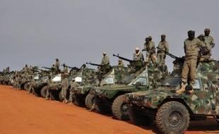 """Quelque 1.800 soldats tchadiens sont arrivés en renfort des militaires français dans la région de Kidal (extrême nord-est malien), dernier fief des groupes islamistes et berceau des Touareg dont la rébellion a affirmé mardi se """"coordonner"""" avec Paris contre """"les terroristes""""."""
